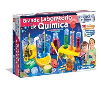 Um laboratório de química!! <3