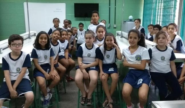 Experiência em sala de aula microrganismos vírus fungos bactérias meio de cultura anos iniciais ensino fundamental ensino de ciências